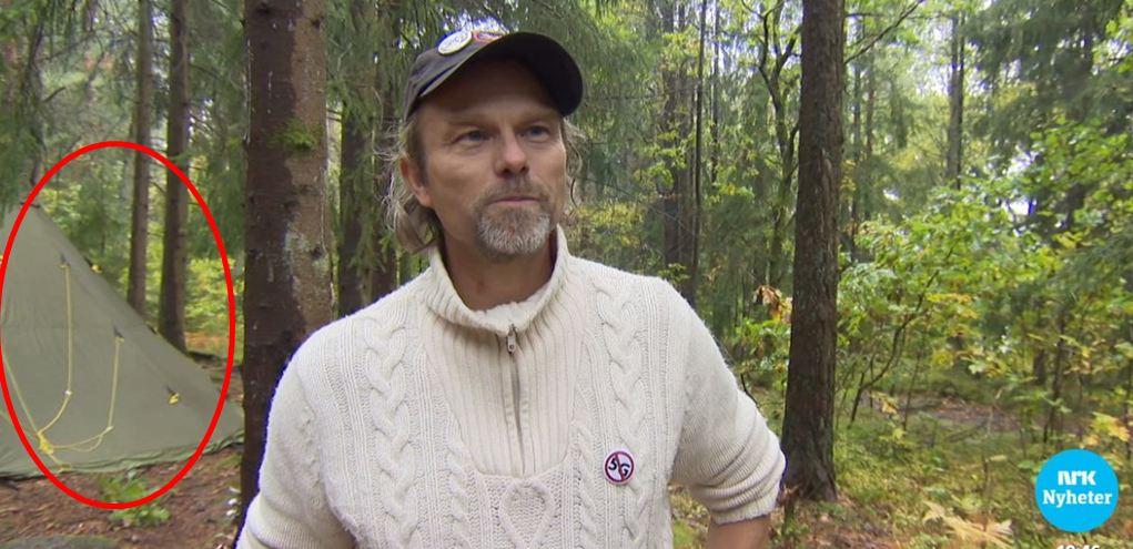 Telt i skogen med O-E og ring rundt